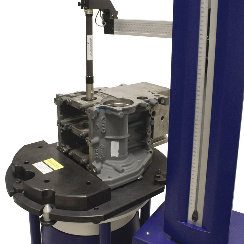 A fully automated arm attitude/orientation system for roundness measurement